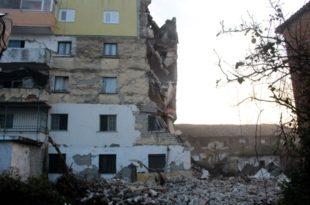 Разоран земљотрес погодио Албанију: Расте број жртава, најмање 600 повређених, срушене зграде и куће (фото, видео)