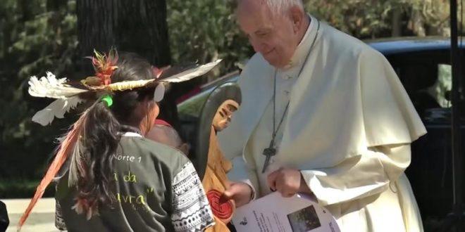 Сто утицајних конзервативних католика оптужило папу Франциска за клањање идолима