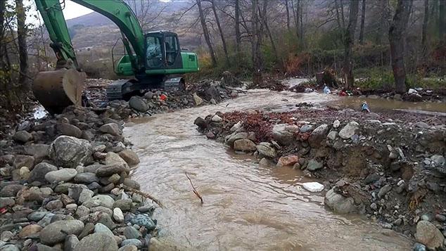 Брезовица: Река Лепенац избацила цеви МХЕ из свог корита и променила ток (видео)