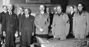 Французи и Британци потписали први пакт са Хитлером
