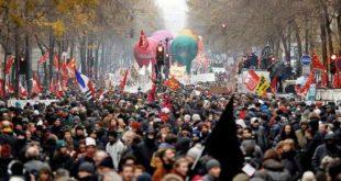 Француска: Наставља се штрајк, Макрон се не оглашава (видео)