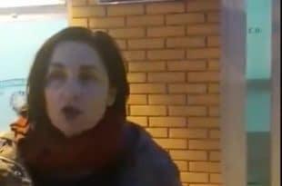 Полиција у Нишу привела потпредседницу Двери због петиције за ослобођење Александра Обрадовића (видео)