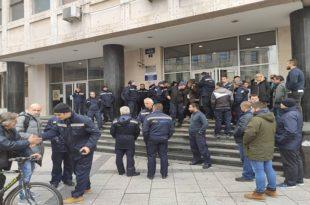 Део радника поште у Новом Саду суспендован, поједини шалтери раде са скраћеним радним временом
