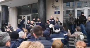 СРБИЈА СТАЈЕ! Поштари позивају све грађане на генерални штрајк (видео)