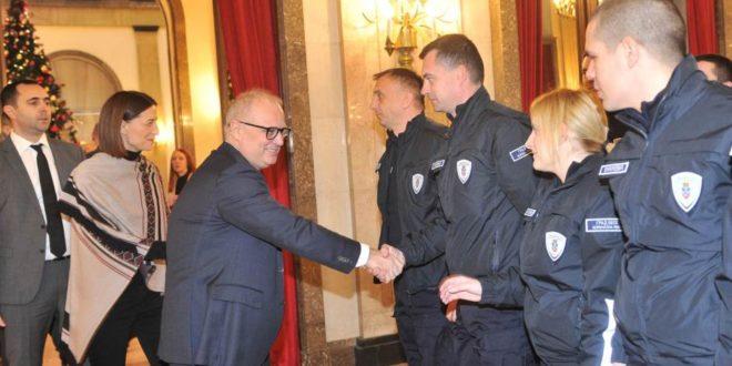 Београд: Примљено 60 комуналних милиционера, Весић најављује још 150