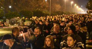 Бескрајна ријека људи и вечерас у Бару: Ово нико зауставити неће, Црној Гори се дешава народ (видео)