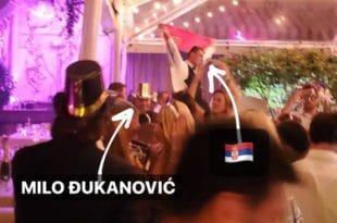 Мило Ђукановић побегао са дочека Нове године у Мајамију јер је поред њега развијена српска застава