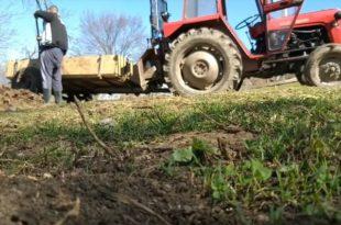 Још једна година пропадања села и пољопривреде: Напредњаци не воле сељаке