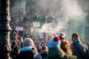У Француској 28. дан штрајка, синдикати незадовољни Макроновим говором