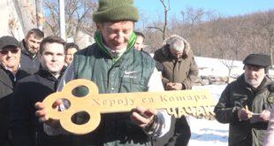 Најсрећнији Божић за јунака са Kошара: Перовић се уселио у свој нови дом (фото)
