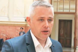 Јурић: У ланцу педофилије политичари и бизнисмени