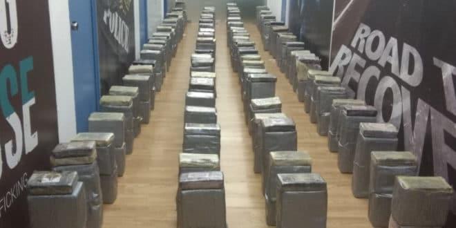Грчка: Заплењено 1,18 тона кокаина, 8 ухапшених, већина Албанци