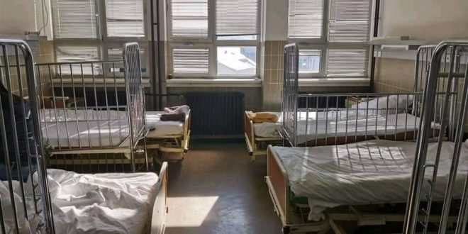 Када сте СМРАДОВИ ЛОПОВСКИ задњи пут купили душеке и постељину за ваљевску болницу? (фото)