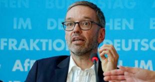 Бивши аустријски министар Kикл опет тврди да је са Србијом договорен повратак миграната