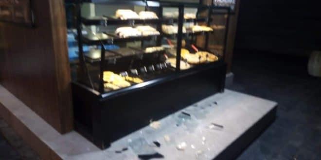 Мигранти разлупали пекару у Београду и премлатили радника