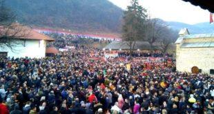 Црна Гора на ногама: У свим градовима народ поручује – Не дамо светиње! (фото, видео)