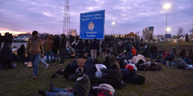 Azilanti i ostali migranti.... - Page 25 Migranti-na-kelebiji-660x330