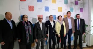 """Вучићеви плаћеници из """"Србија 21"""" нуде ДС на локалу по 10.000 евра да изађу на лажне изборе"""