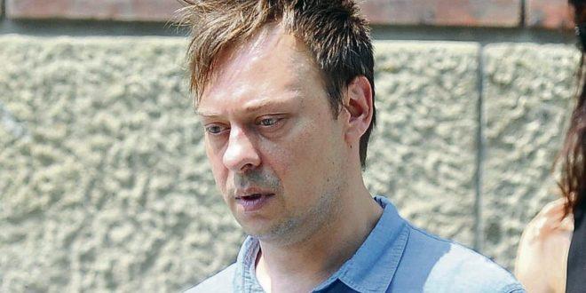 ПРАВОСУДНА ТРАВЕСТИЈА! Осуђеног педофила Јевтића осудили на кућни затвор и то без наногице?!