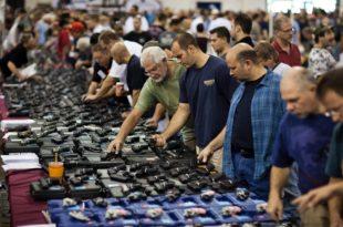 Због епидемије се у Сједињеним Државама упетостручила продаја оружја