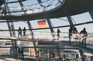 Бундестаг прихватио пакет економских мера тежак 750 милијарди €