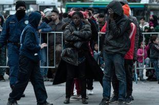Грчка планира да мигранте који су после 1. марта илегално ушли на њену територију депортује у њихове матичне државе