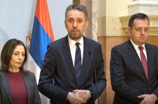 ДЈБ: Медији су политички непријатељ грађана Србије (видео)