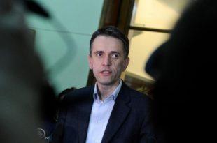 Радуловић: Власт здрави део нације ставила у кућни притвор, а није сачувала старе и болесне