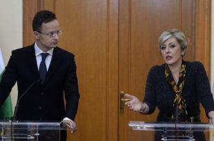 Мађарски министар: Бранићемо своје границе, очекујемо прилив више од 100.000 миграната