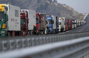 Бугарска критиковала ЕУ: Наше камионџије вам испоручују лекове, а ви их осуђујете на глад
