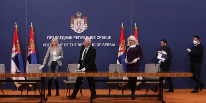 Само у Србији! Шерпањем до уставних и грађанских права, што јаче лупате у шерпе пре ћете на слободу!