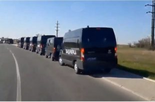 Мигранти су синоћ пробили обезбеђење и побегли из касарне у Обреновцу (видео)