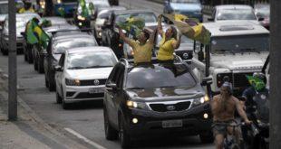 Бразил: Протест у више највећих градова против уведених мера изолације, демонстранти у камионима, аутомобилима и на мотоциклима блокирали улице (видео)