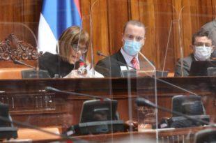 Напредњачка скупштина ex post facto потврђује Вучићево иживљавање над уставним и правним поретком Србије!