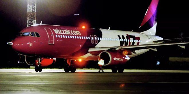 Први авионски летови у Европи у редовном саобраћају почињу 1. маја