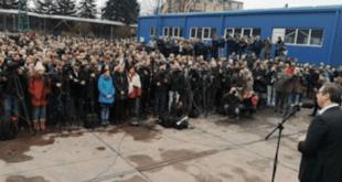 Вучићево обећање за неке раднике Kрушика улудо радовање, 30-ак добило отказе