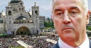 Мило би да укине Српску православну цркву и од ње да створи Православну цркву Црне Горе са новим грбом
