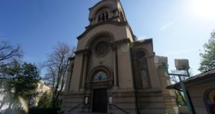 ХАОС У БЕОГРАДУ: Мигранти упали на литургију, па опљачкали вернике