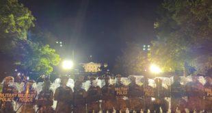 Америка је у пламену, војска на улицама Вашингтона (видео)