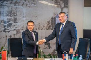 Милорад Грчић у име ЕПС-а са Кинезима потписао прелиминарни споразум о сарадњи на завршетку изградње ТЕ Kолубара Б