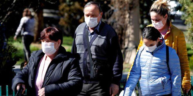 Да не пропадну увезене залихе: Пандемија готова, а обавезно ношење маски
