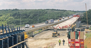Влада даје Кинезима сумњиве послове у изградњи дискутабилне инфраструктуре без Закона о јавним набавкама