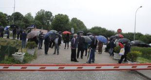 САМО У СРБИЈИ: Вучић заштитио тајкуне, па пензионере ПКБ казнио са по 5000 динара! (видео)