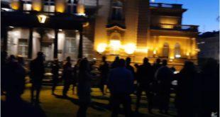 После синоћњег протеста испред председништва секташ Вучић је данас погубио живце (фото, видео)