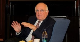 Бивши шеф МИ6 Ричард Дирлав: Корона вирус је можда вештачки и можда је `побегао` грешком