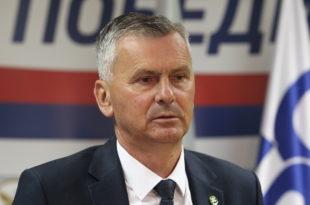 Једини у Србији и поред намештених избора развалио Вучића и напредњаке
