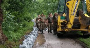 Западна Морава однела 100 метара гасовода, екипе на терену