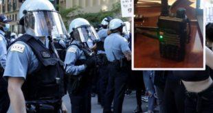 """Усред хаоса у Чикагу на полицијској мотороли трешти """"Од Бихаћа до Петровца села"""" (видео)"""