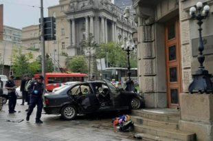 Дете од 11 година и двоје људи буквално погинули на улазним вратима Владе Србије