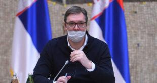 ПСИХОПАТА ТРОВАЧ каже да је вакцинација против кинеске заразе спас за Србију, економију и све остало
